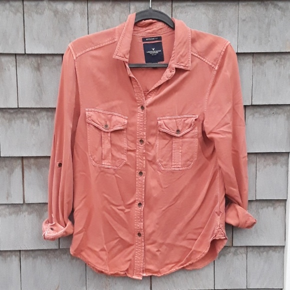 American Eagle Outfitters Tops - American Eagle Outfitter boyfriend fit button down